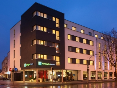 holiday-inn-express-guetersloh-1-1
